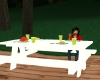 ANIMATED PICNIC TABLE