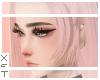 ✘ Katis bangs pink.