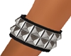 G` Metal bracelt.